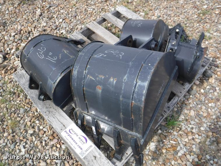 (4) backhoe buckets
