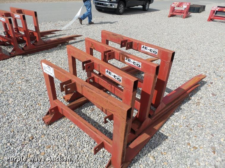 (4) Jeco pallet/hay forks