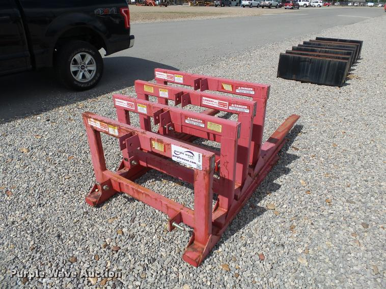 (4) Lowery pallet/hay forks