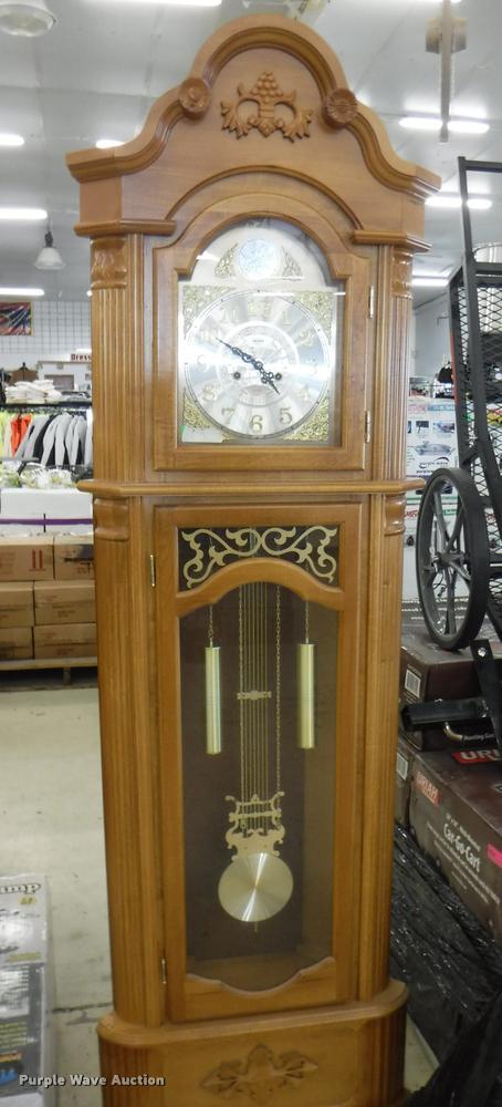 Aeon pendulum clock