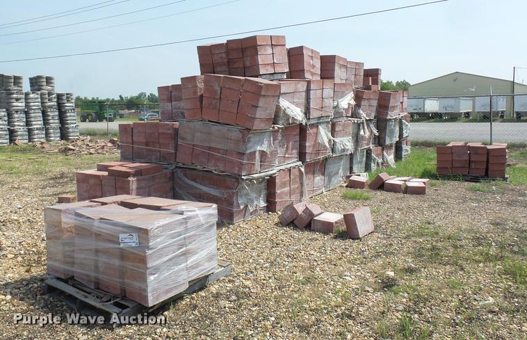 Approximately 75 pallets of retaining wall blocks