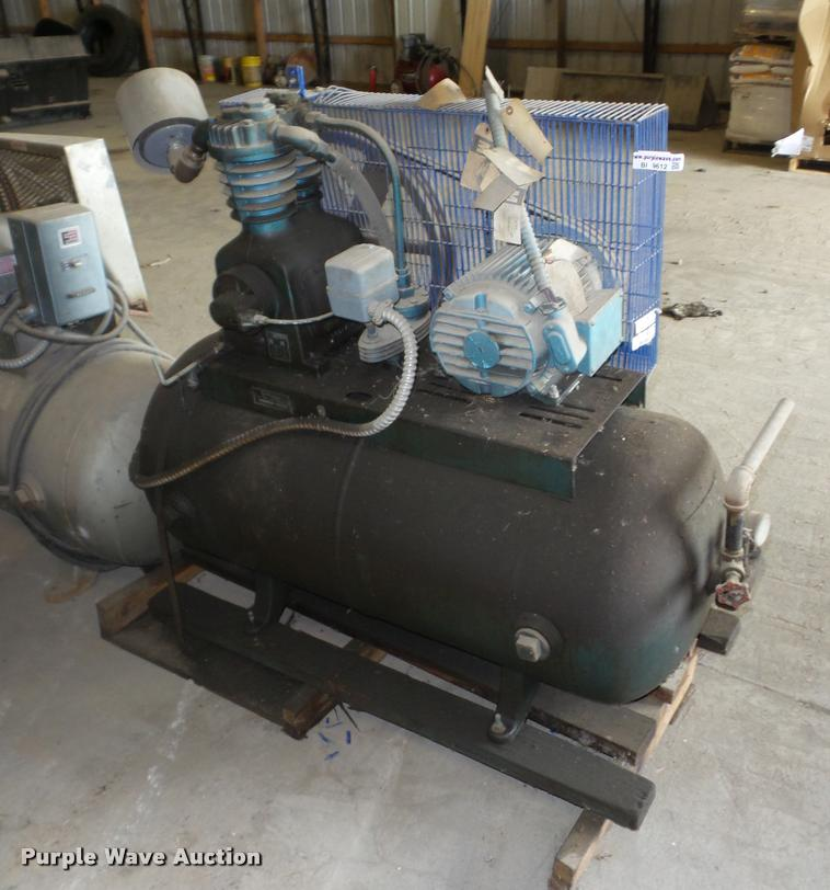 DeVilbiss UAE5024 air compressor