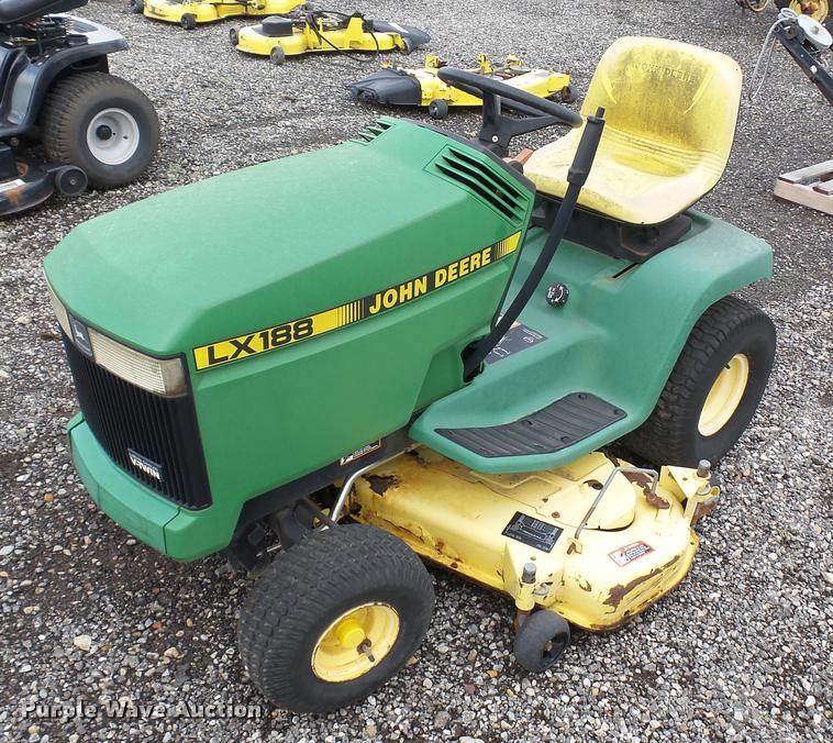 1995 John Deere LX188 lawn mower