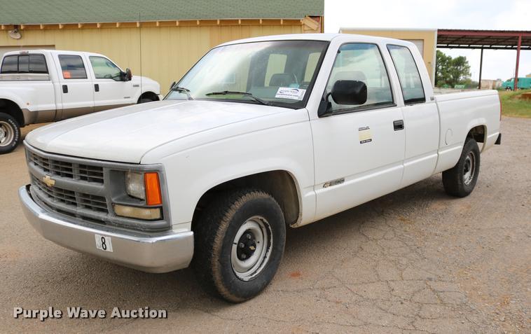1994 Chevrolet Cheyenne 1500 Ext. Cab pickup truck