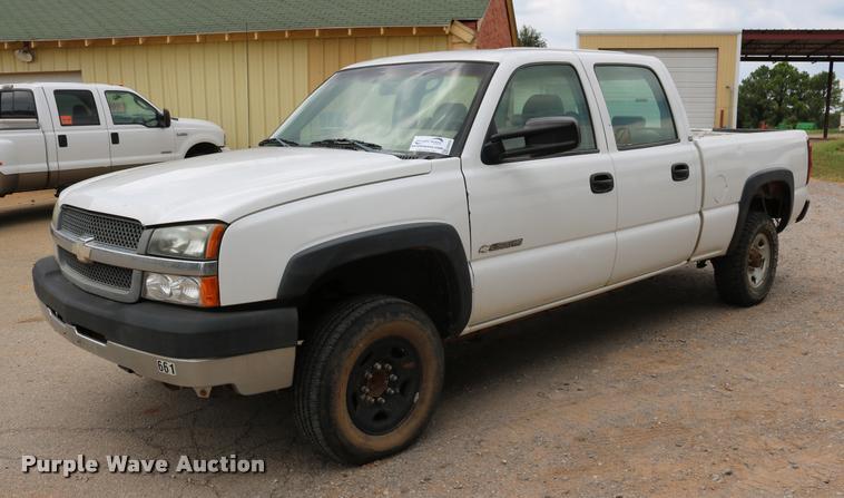 2003 Chevrolet Silverado 2500HD Crew Cab pickup truck