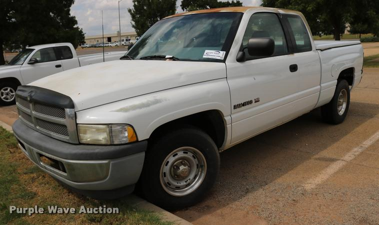1996 Dodge Ram 1500 Club Cab pickup truck