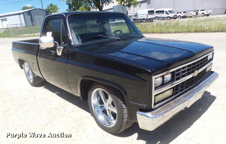 1987 Chevrolet R10 pickup truck