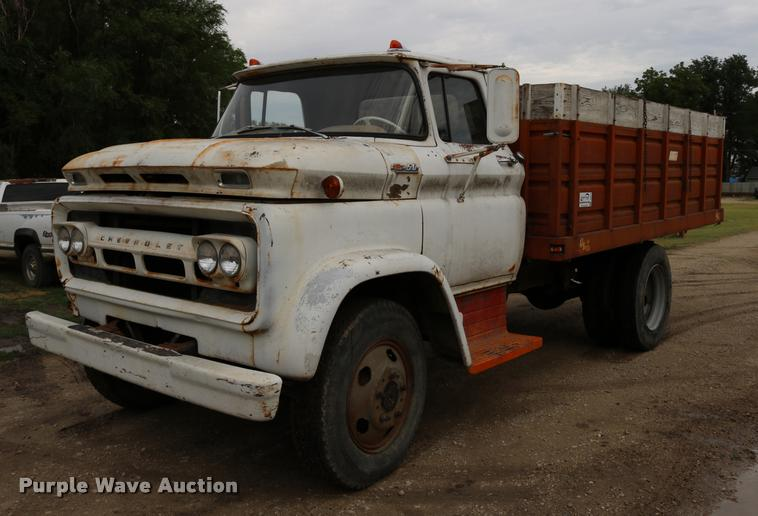 1962 Chevrolet C50 grain truck