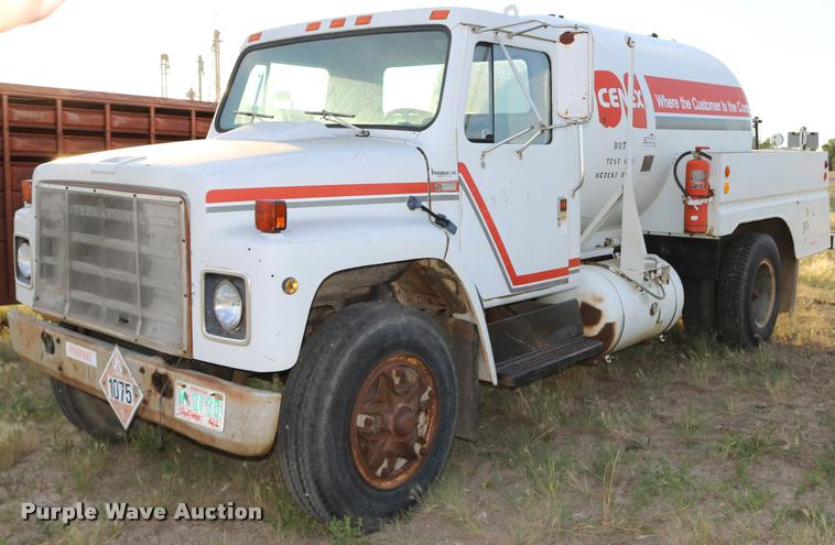 1981 International 1824 propane truck