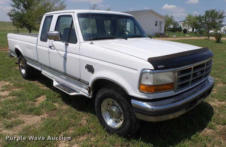 1995 Ford F250 Super Duty SuperCab pickup truck