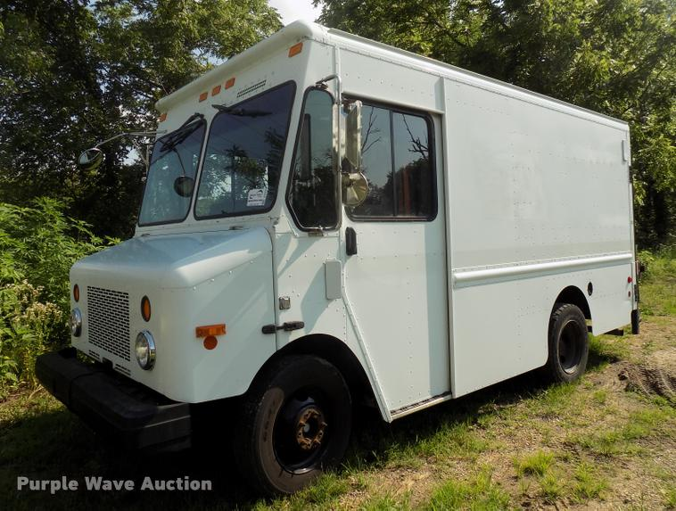 2004 Workhorse P42 delivery truck