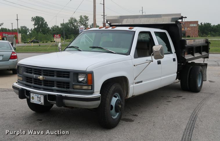 1996 Chevrolet 3500 Crew Cab dump bed pickup truck