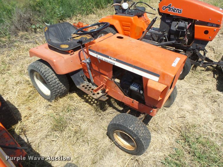 Allis Chalmers 712H lawn mower