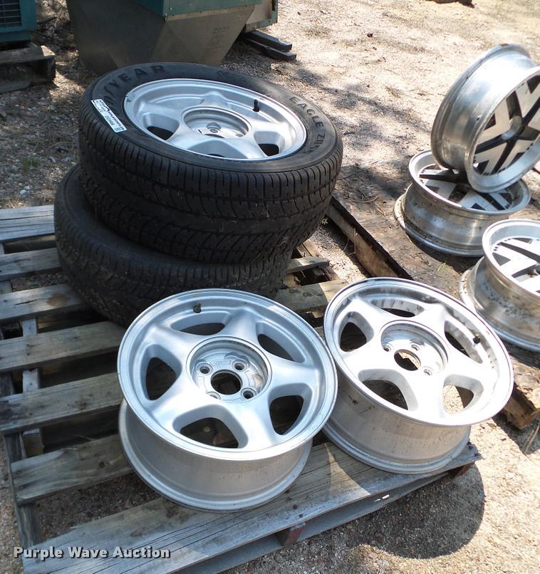 (4) Mustang GT wheels