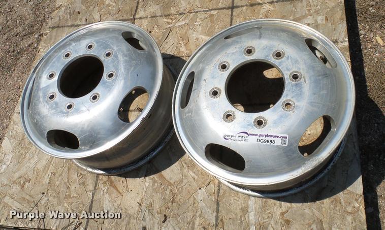 (2) wheels