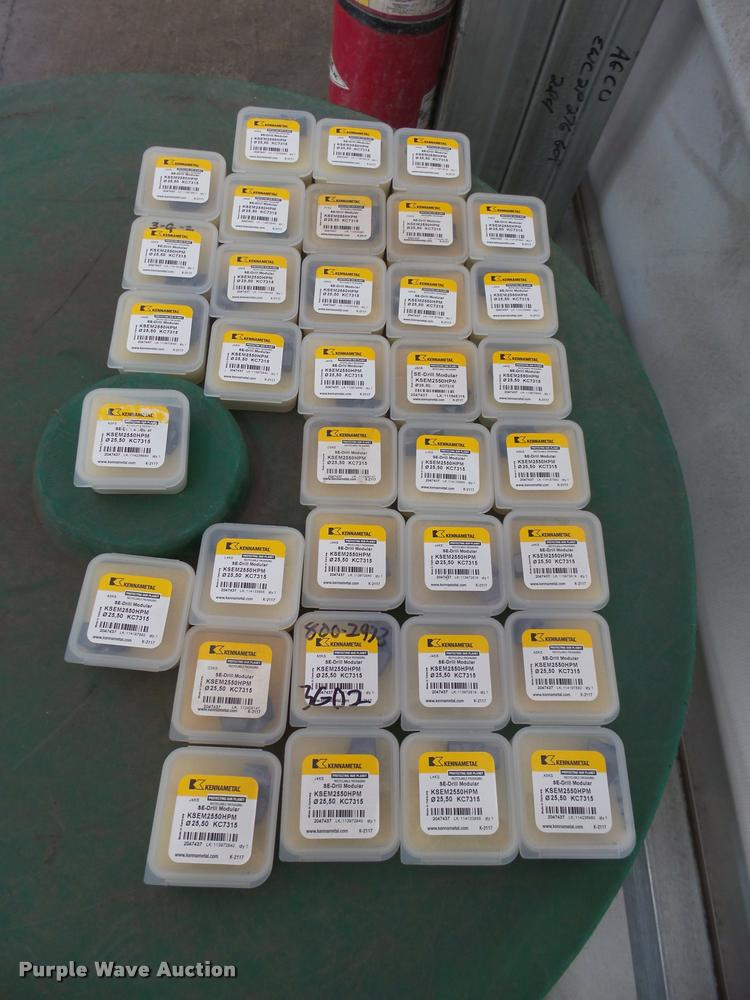 (35) Kennametal Inc. fine grain grade bits