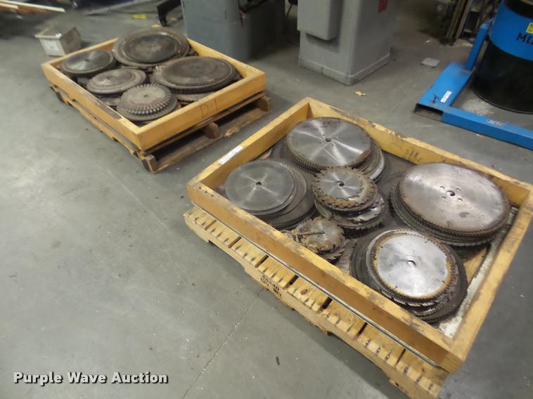 (2) pallets of circular saw blades