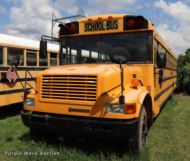 1998 International 3800 school bus