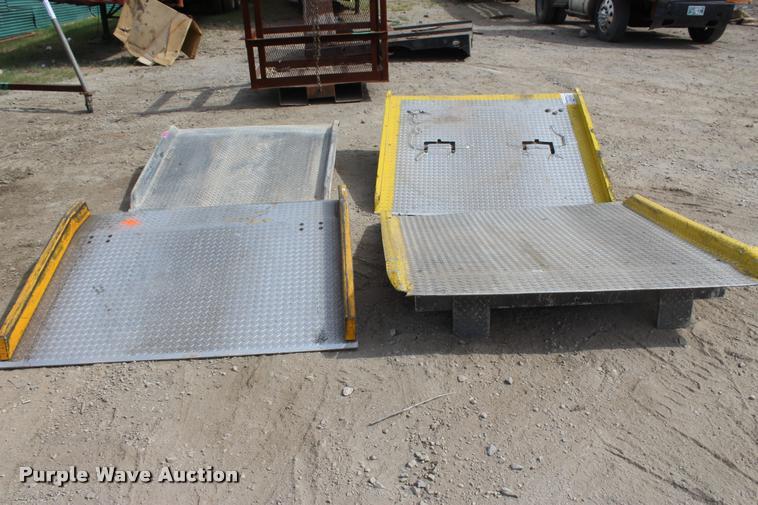 (4) loading ramps