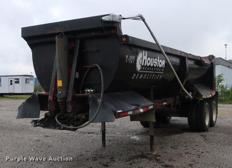 1997 Clement RKHS2626 end dump trailer