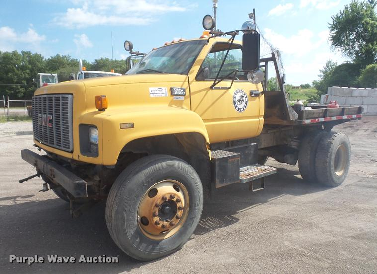 1997 GMC C7500 flatbed truck