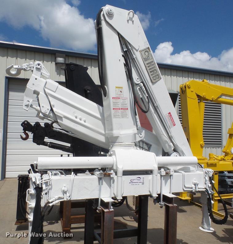Hiab 100AW knuckle boom crane