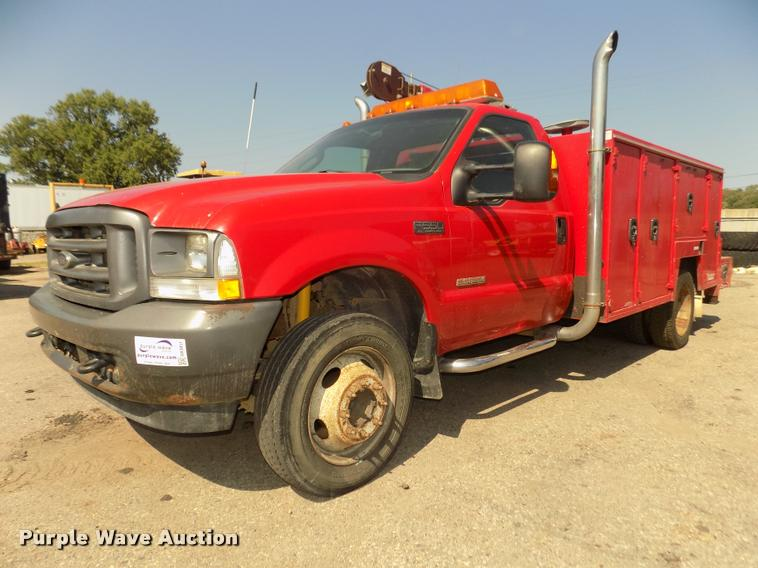 2004 Ford F550 Super Duty service truck with crane