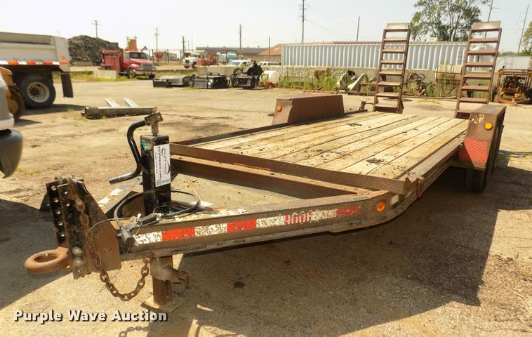 2004 Towmaster T12 equipment trailer