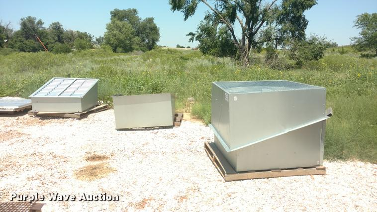 (4) ventilation fans