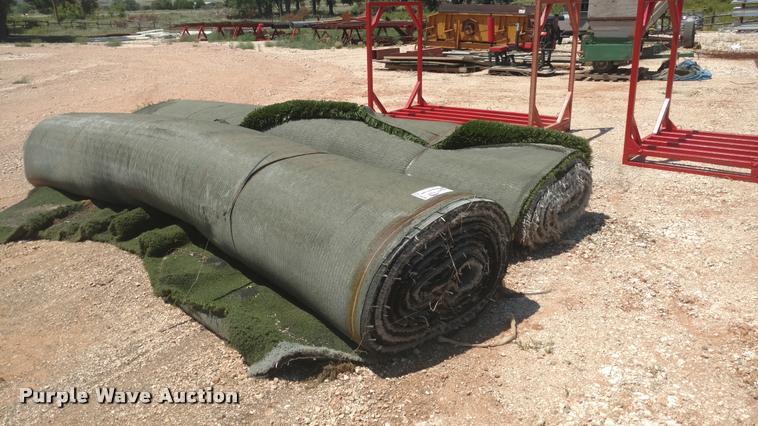 (2) rolls artificial turf