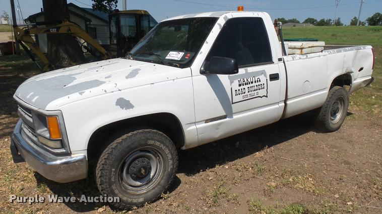 1995 Chevrolet C2500 pickup truck