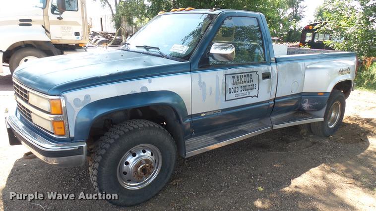 1990 Chevrolet K3500 pickup truck