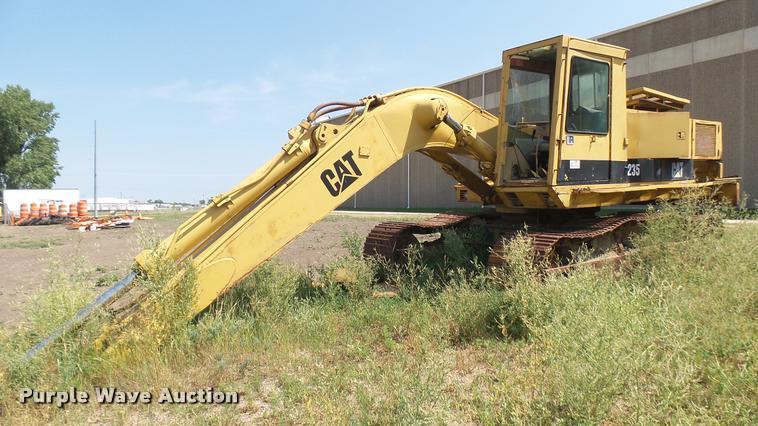 1979 Caterpillar 235 excavator