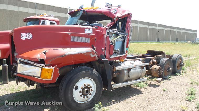 1994 Mack CH613 semi truck