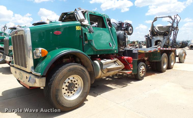 2013 Peterbilt 365 dump truck