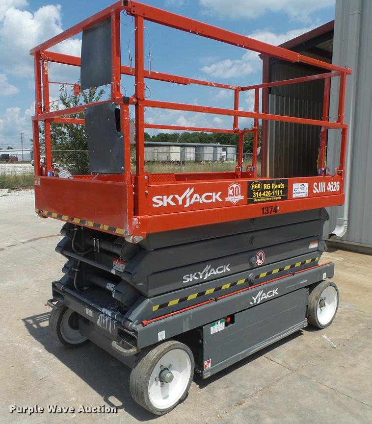 2015 Sky Jack SJIII 4626 scissor lift