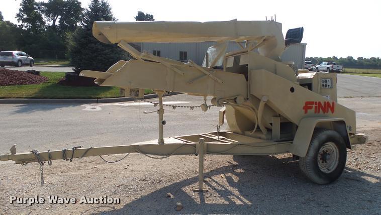 Finn MSD-30 bale shredder