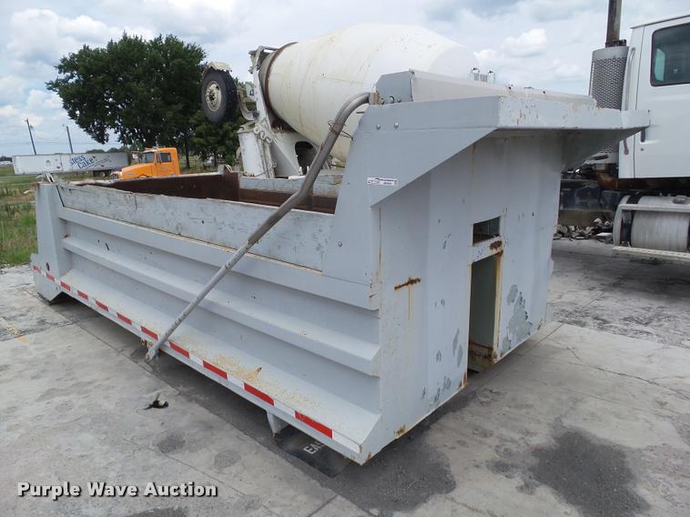 Steel dump bed