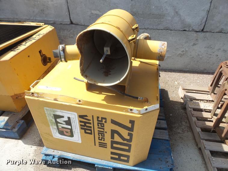 Champion 720A Series III motor grader fuel tank