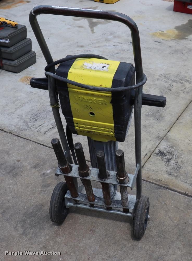 Wacker electric jack hammer