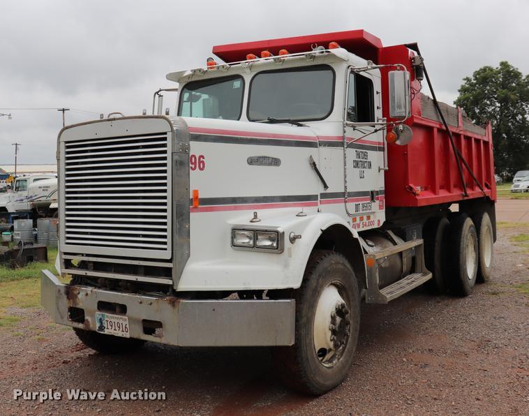 1988 Freightliner FLC dump truck