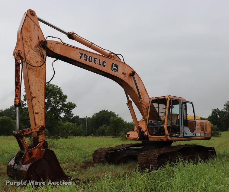 1997 John Deere 790E LC excavator