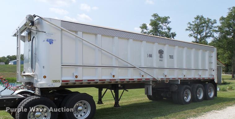 2007 MAC end dump trailer