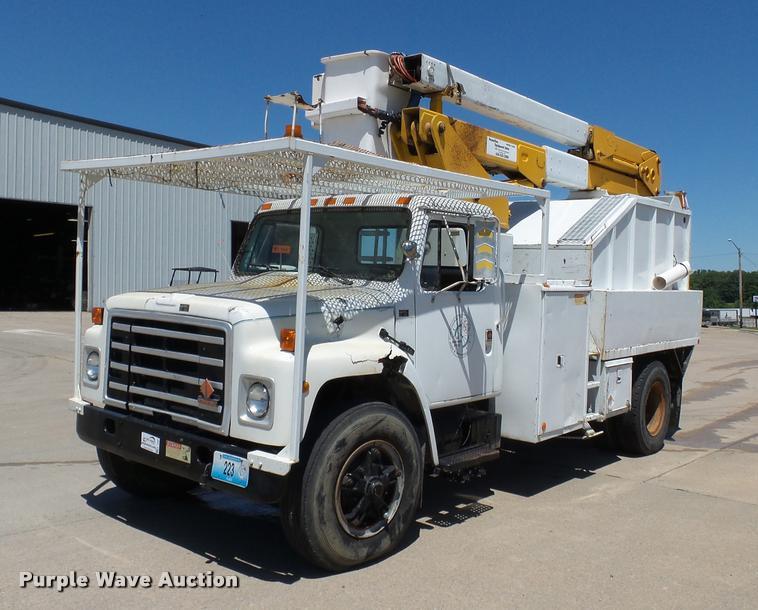 1986 International 1754 bucket truck