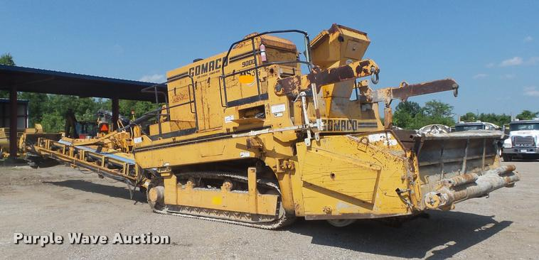 1992 Gomaco 9000 trimmer / placer