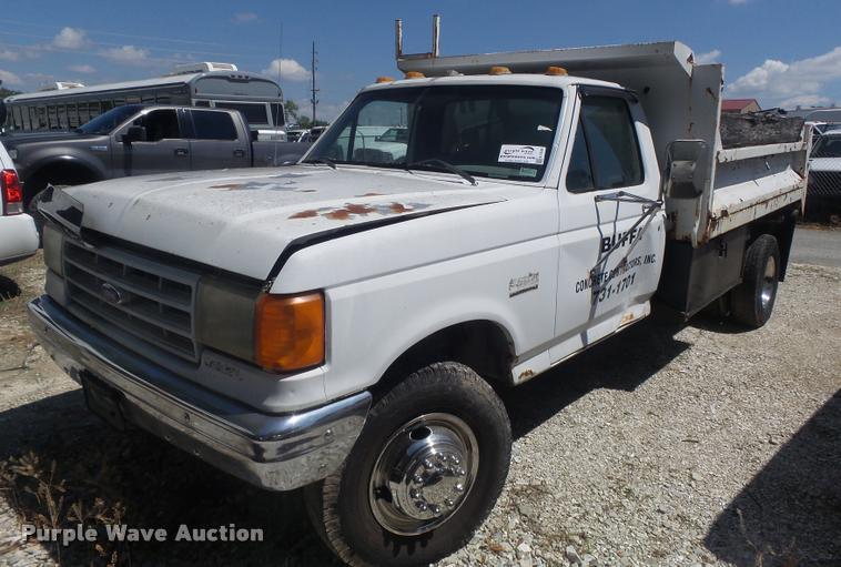 1989 Ford F450 Super Duty dump truck