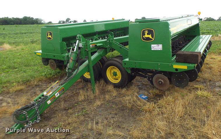 2013 John Deere 455 grain drill