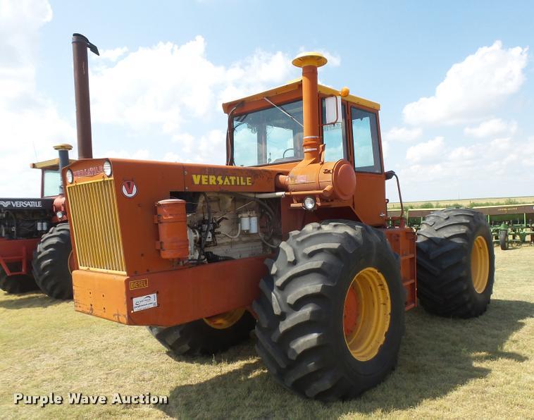 1976 Versatile 800 4WD tractor