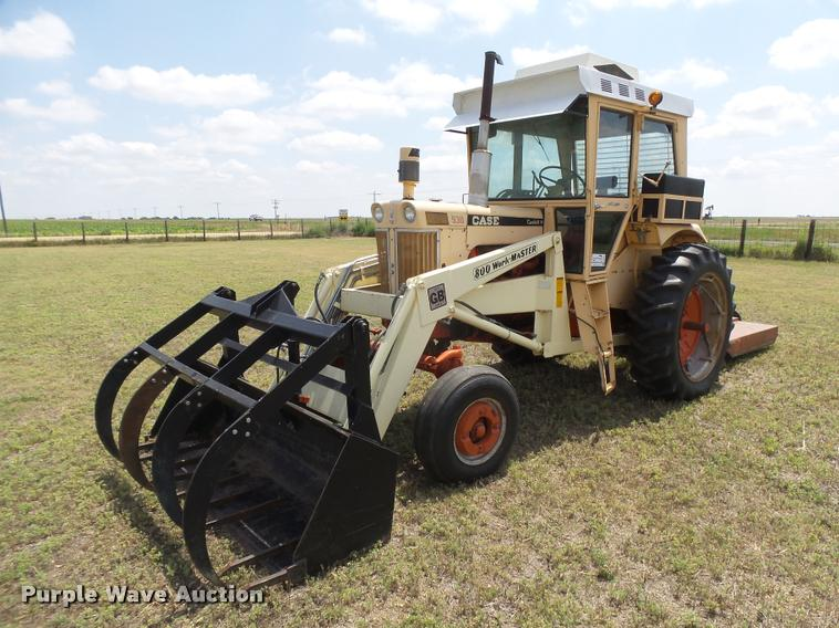 Case 930 Comfort King tractor