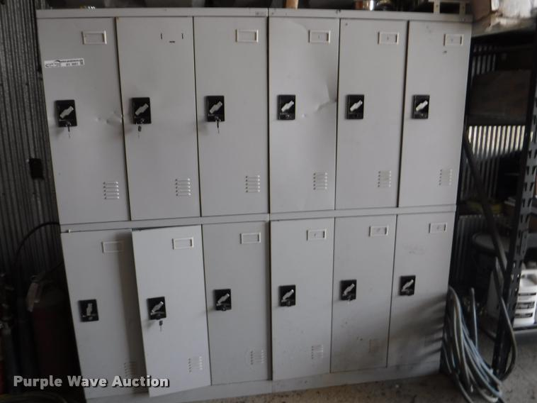 (12) locker storage units